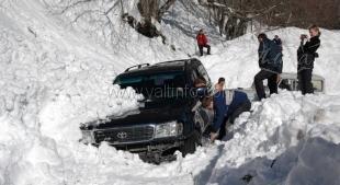 Дорога на Ай-петри временно заблокирована из-за схода двух лавин