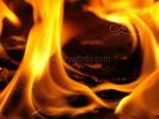 20 жителей эвакуировали во время пожара в Ялте