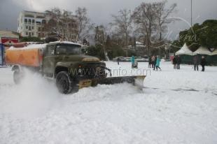 В Ялте нет денег и техники для расчистки снега