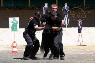 Чемпионат мира по многоборью телохранителей.