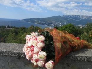 Доставка цветов по Ялте и посёлкам