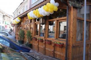 Летнюю площадку кафе ялтинского депутата признали незаконной спустя 5 лет ее работы