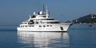 Яхта мультимиллиардера Пола Алена пришвартовалась в Ялте