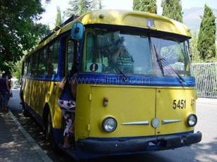 В ялтинских троллейбусах вводят систему компостирования билетов