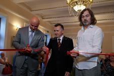 Никас Сафронов открыл выставку в Ялте