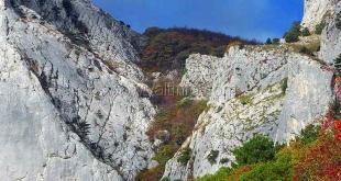 На «Чертовой лестнице» в Ялте заблудились четыре человека