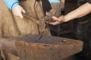 На Маленькой ферме  будут ковать ножи  представители Крымской гильдии кузнецов
