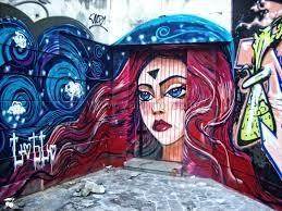 В Ялте граффитчики разукрасили центр города
