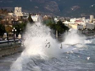 На Крым надвигается штормовая погода