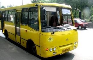 Ялтинские власти требуют от пригородных автоперевозчиков соблюдать свои маршруты