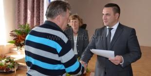 Андрей Ростенко наградил лучших сотрудников Никитского ботанического сада