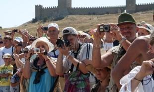 Граждане России обеспечили Крыму 70% туристического потока в 3,3 млн человек