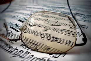 Ялтинцев приглашают посетить музыкальный вечер «В сердцах людских затрагивает струны…»