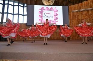 В Ялте открылась выставка «Красная нить»