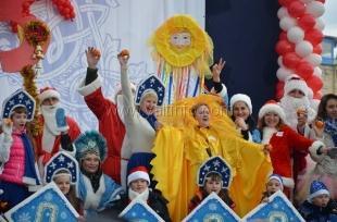 На «Мороз-Параде» в Ялте можно было увидеть самые необычные новогодние костюмы