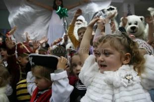 В Центре детско-молодёжного досуга прошли новогодние утренники