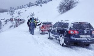 Подъезды к Ай-Петри засыпало снегом