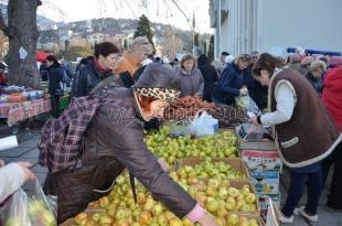 В Ялте прошла первая в этом году сельскохозяйственная ярмарка