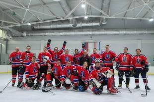 Ялтинские «Белые львы» победили хоккеистов из Севастополя