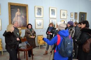 В Воронцовском дворце-музее открылась выставка «Женская красота сквозь века…: Парижская мода XIX – начала XX вв.»