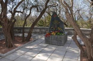 В Гаспре установили памятный знак «Героям-освободителям»