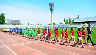 В Симферополе состоялся второй этап финальных соревнований «Олимпийский символ», в которых приняли участие семь лучших команд Республики Крым, победивших на муниципальном уровне.