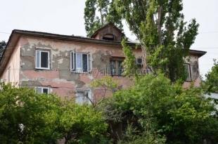 В программу по расселению граждан из аварийного жилья попало 18 домов Ялтинского региона