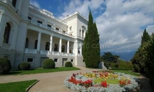 Крымские дворцы никогда не будут отданы в частную собственность, – заверил Аксенов