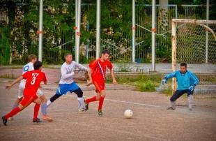 На стадионе «Авангард» 29 июня состоялся первый матч квалификационного раунда Кубка Ялты по футболу-2015 памяти Валерия Тимофеевича Боярчука.