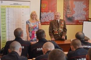 Ветеран провел урок мужества в войсковой части