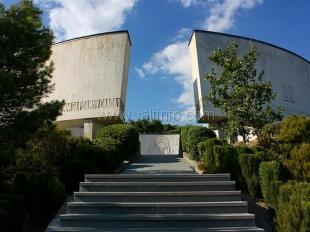 Мотоклуб «Ночные волки» предложил помощь в реконструкции ялтинского «Холма Славы»