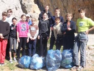 Ялтинская федерация альпинизма и скалолазания регулярно проводит экологические субботники