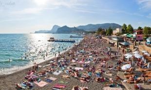 Девяносто два процента туристов намерены вновь посетить Крым