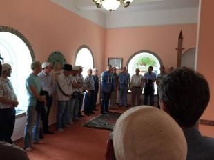 Депутат горсовета поздравил жителей южнобережных поселков с праздником «Курбан-байрам»