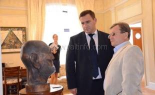 В Ялте открылась выставка художников Северной Осетии – «Осетинский колорит»