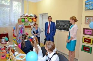 Депутат Ялтинского горсовета взял персональное шефство над коллективом талантливых ребят