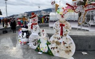 В Ялте мастерили «снеговиков без снега»