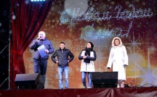 На набережной Ялты прошёл Новогодний караоке-турнир