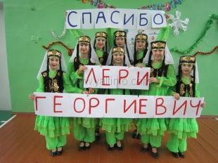 Депутат Ялтинского городского совета продолжает помогать Народному театру фольклора и танца «Русалочка»