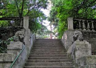 В Ялте пересчитают лестницы