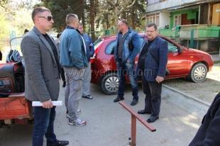 В Ялте продолжается демонтаж самовольно установленных ограничителей движения