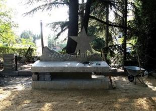 В Ялте началась установка памятника воинам-интернационалистам