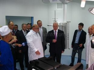 Азаров согласовал выделение 34 миллионов на ремонт хирургического корпуса Ливадийской больницы