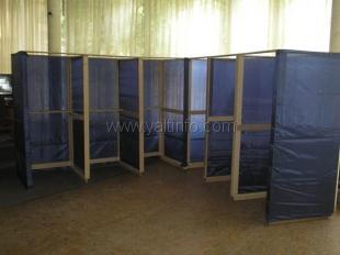 На избирательных участках в Ялте кабинки стоят без шторок, а наблюдателей не пускают в зал