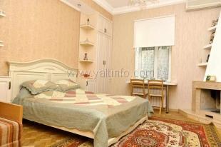 Квартира-домик с двориком на Чехова