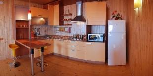 Двухуровневые апартаменты люкс в Алупке