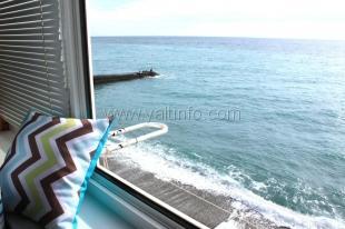 Однокомнатный четырёхместный эллинг с видом на море